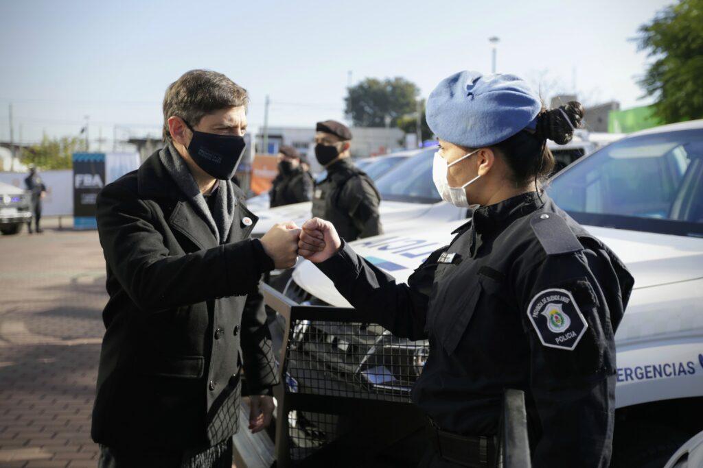 Política Provincial: En Berazategui, Axel Kicillof puso en funcionamiento 20 nuevos patrulleros