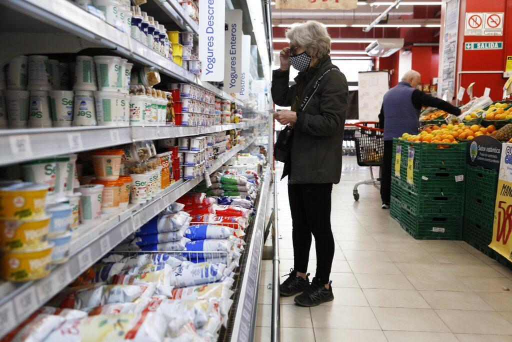 Congelamiento de precios: El Gobierno retrotrae precios de 1.432 productos al 1 de octubre y congela hasta el 7 de enero