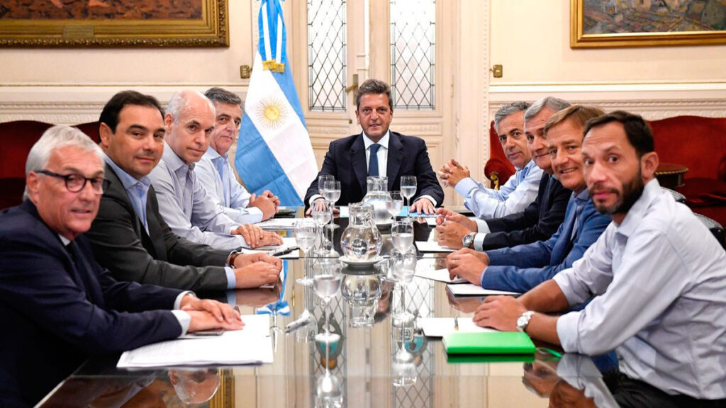 ¿Pueden dialogar el gobierno y la oposición?: el neurálgico rol de Massa en el acuerdo